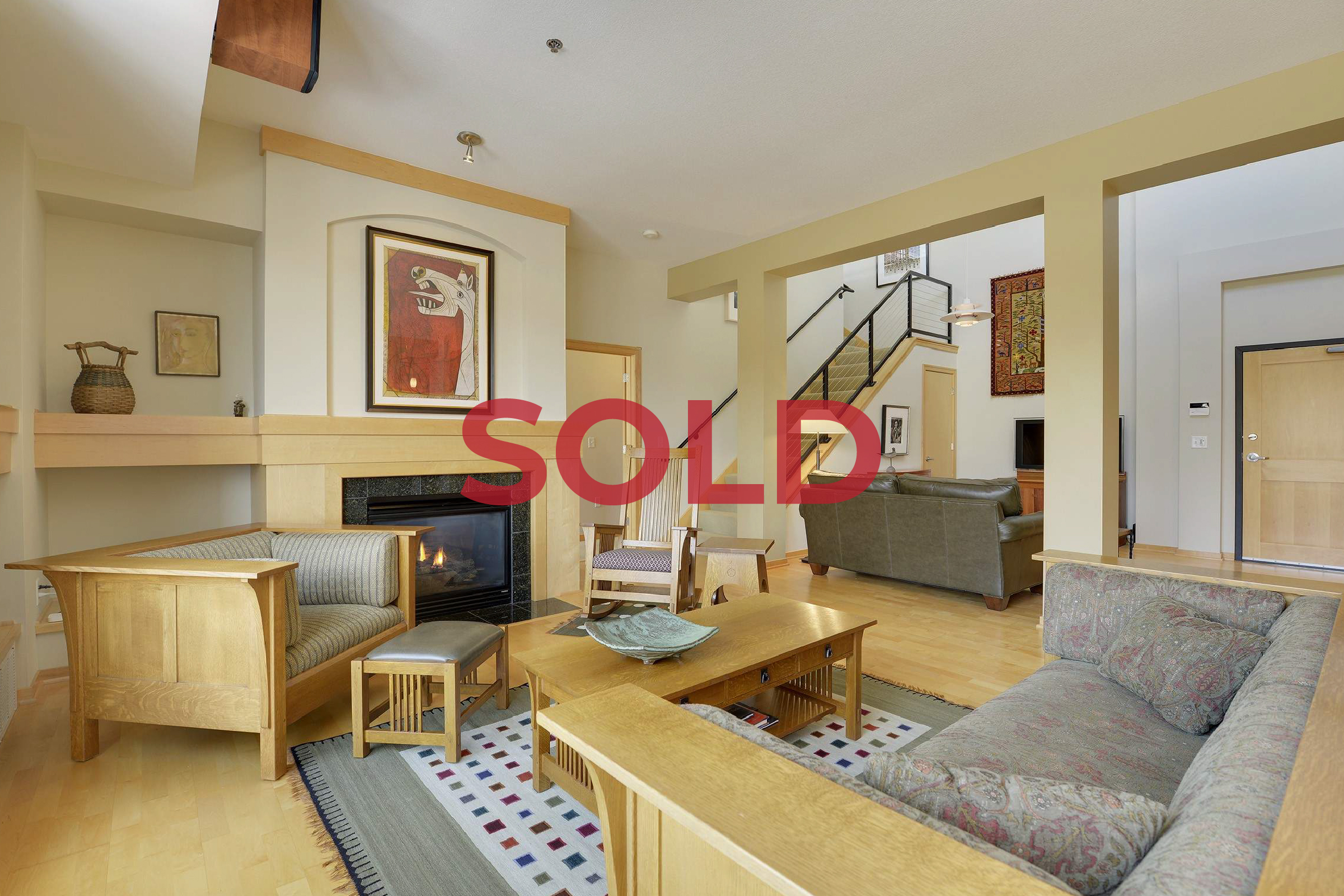 Pending-Overlay #405_SOLD